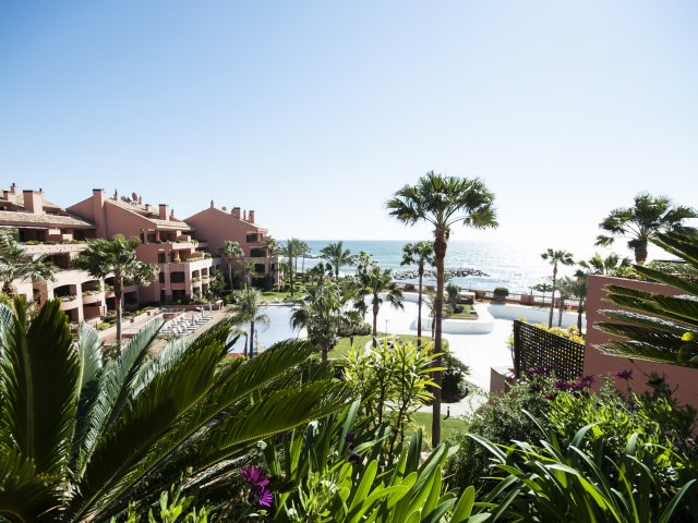 Malibú-Puerto Banus Beachfront Apartment 2 bedrooms