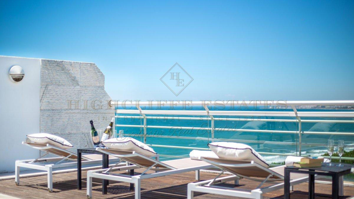 Marina mariola marbella tico duplex 4 dormitorios con for Atico con piscina privada