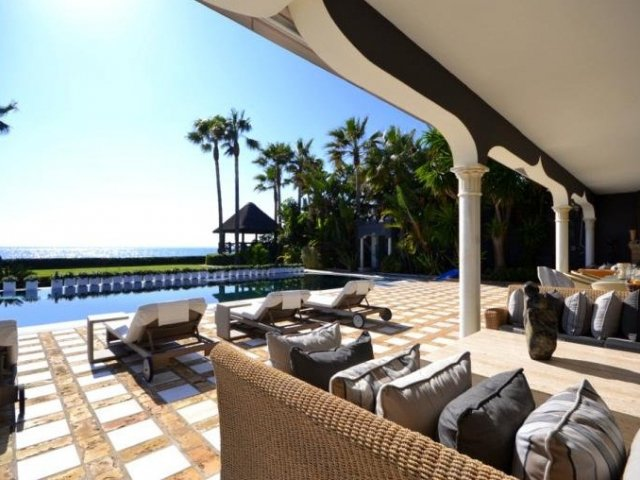 Los Monteros Playa Beachfront 7 bedrooms Villa