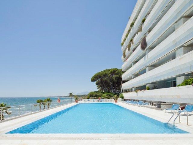 Marina Mariola Marbella 2 dormitorios Mar y Jardin 09