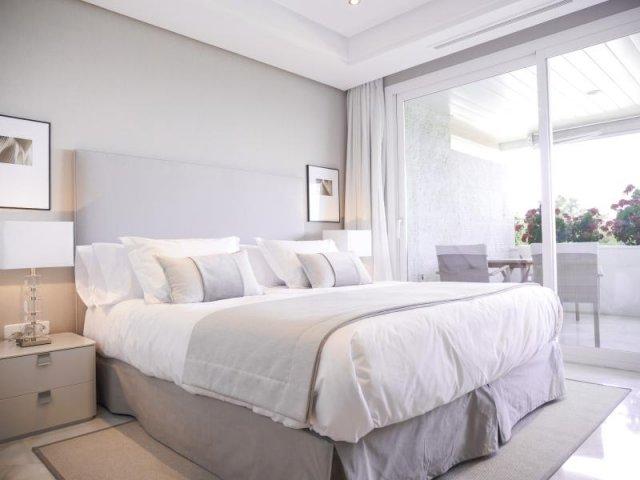 Marina Mariola Marbella 2 dormitorios Este, vista Mar y Jardin. Larga Temporada.