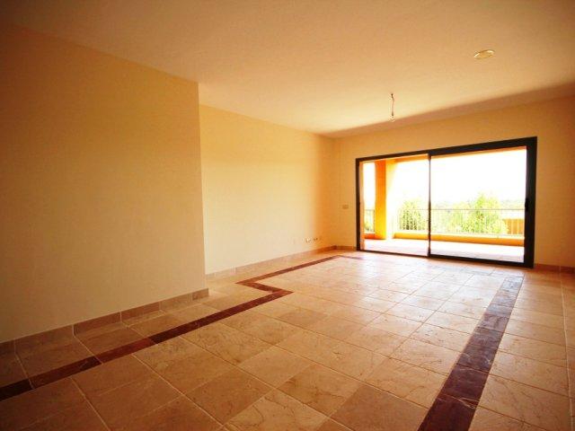 Apartamento de 2 Dormitorios en 1ª Planta en Benatalaya, Nueva Atalaya, Estepona.