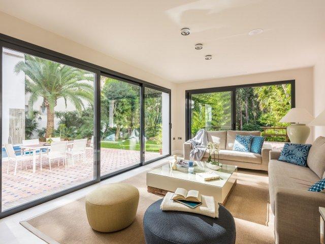 Villa Contemporánea Reformada 4 Dormitorios Nueva Andalucia