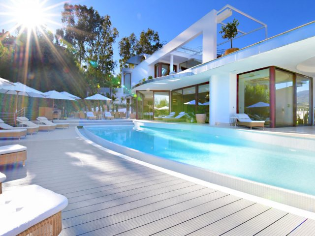 Las Brisas Golf, Espectacular Villa Contemporánea 7 Dormitorios.