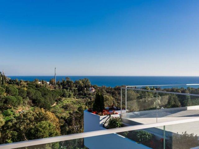Lomas de Marbella Club, espectacular Ático 4 Dormitorios.