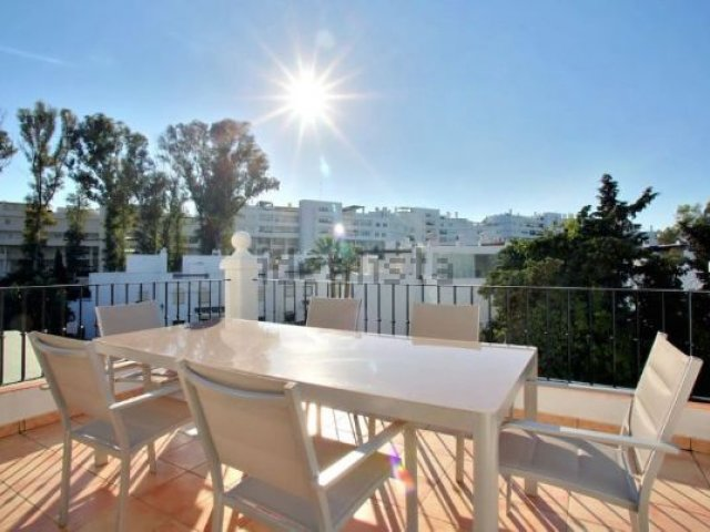 GuadalBeach-Guadalmina Beach Side, 4 Bedrooms Penthouse.
