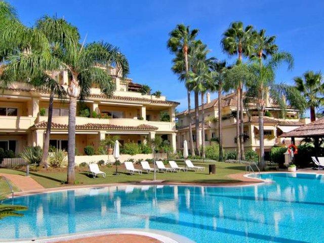 Las Alamandas, Nueva Andalucia. Apartamento 3 Dormitorios.