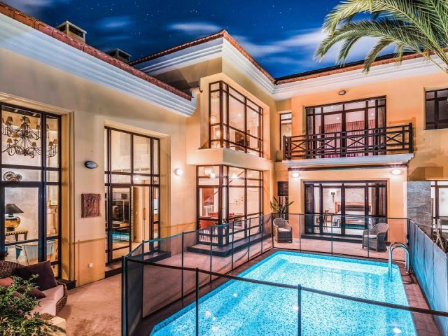 Bahia de Banus, Elegant Villa Bungalow avec Piscine Privé