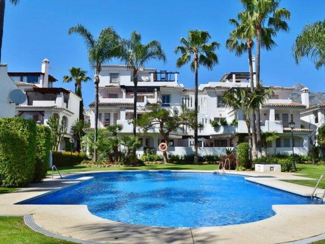 Los Naranjos de Marbella, 3 Bedrooms Townhouse with Patio/Jacuzzi