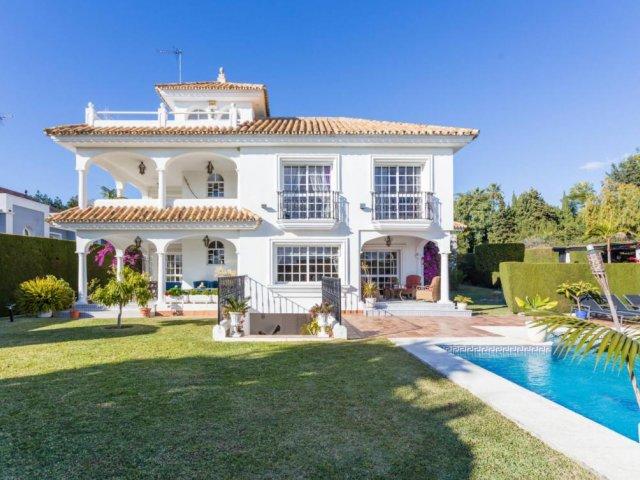 Las Brisas Nueva Andalucia, 4 Bedrooms Villa DeLuxe