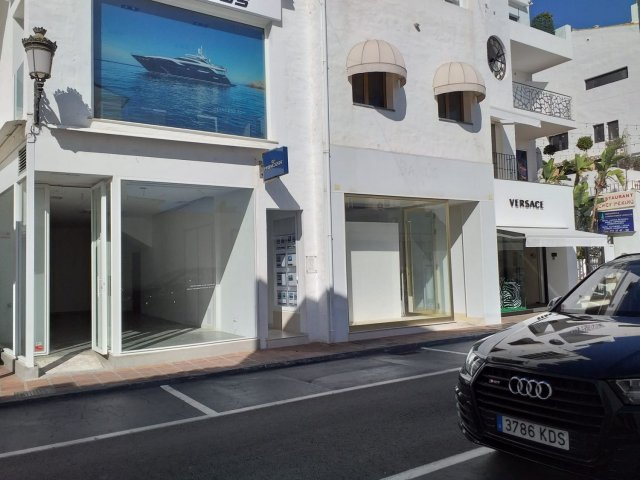 Puerto Banus, Commercial Premises 80 m2.