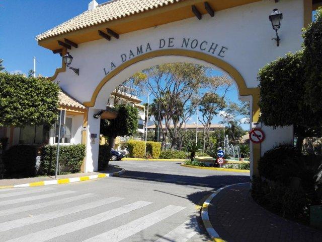 Dama de Noche, Puerto Banus, 3 bedrooms Apartment for Sale.