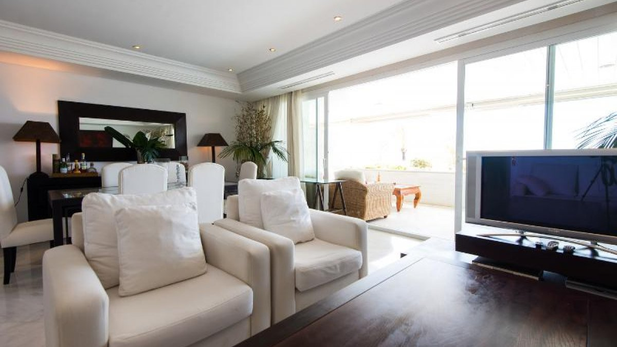 Marina Mariola Marbella 2 bedroom duplex apartment. Marina Mariola Marbella 2 bedroom duplex apartment   Highcliffe
