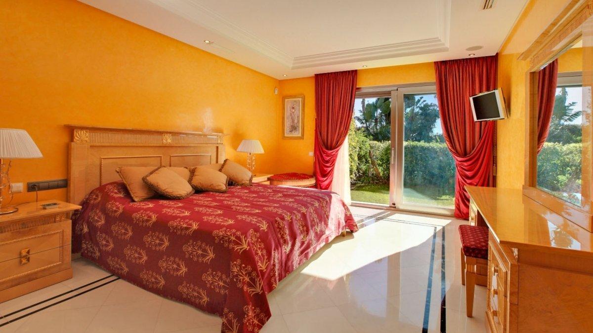 Casanova puerto banus lyx apt 2 sovrum stora golv garden möblerad ...