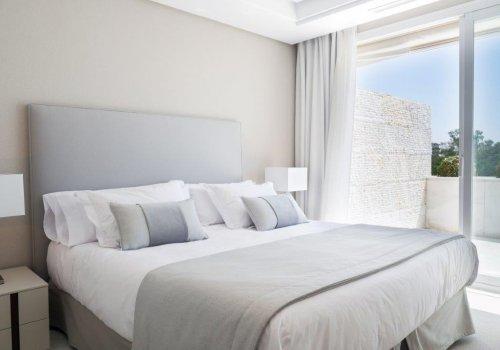 Marina Mariola Marbella Ático 3 dormitorios Gran Lujo c/ Piscina Privada
