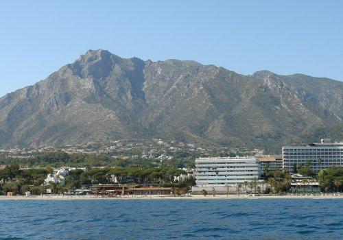 Marina Mariola Marbella 2 dormitorios Sur, vista directa al mar