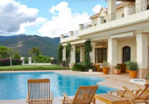 Nueva Milla de Oro Estepona, Elegante Villa 5 Dormitorios