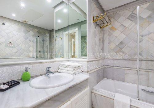 Marina Mariola Marbella, Apartamento 2 Dormitorios en Alquiler.